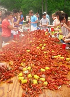 This is how we do it Lousiana style.---This being said, I've lived in New Orleans my whole life and I don't like crawfish! Louisiana Homes, Louisiana Recipes, New Orleans Louisiana, Cajun Recipes, Seafood Recipes, Cajun Seafood Boil, Louisiana Crawfish, Cajun Food, Fresh Seafood