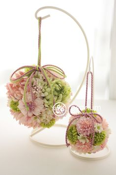 Bridesmaid and Flower Girl pomander balls Bridal Flowers, Diy Flowers, Flower Decorations, Beautiful Flower Arrangements, Floral Arrangements, Beautiful Flowers, Arte Floral, Bouquet, Flower Ball