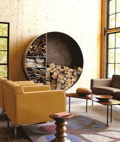 Banc-pion ; rangement circulaire pour bois et papier ; camaïeux de teintes ocres