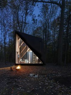 The world-leading architecture firm, Bjarke Ingels Group (BIG) has in collaboration with the prefab-housing startup Klein designed a tiny house prototype na Big Design, Tiny House Design, Tiny Cabins, Tiny House Cabin, Dezeen Architecture, Outdoor Toilet, Studio Apartment Decorating, Apartment Therapy, A Frame Cabin