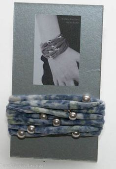 Blue Smudgy Print Beaded Bracelet