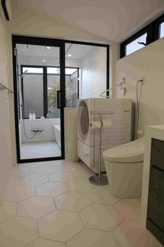 ユニットバス:パナソニックアーキスペック トイレ:TOTOネオレスト Toto, Corner Bathtub, Bathroom, Washroom, Full Bath, Bath, Bathrooms, Corner Tub