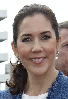 Princess Mary Ole Lynggaard earrings