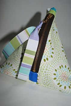 Sew Me Something Good: How to sew a coin purse