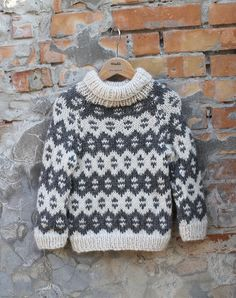 børne øko uld islandsk sweater by Mother of two Baby Boy Knitting Patterns, Knitting For Kids, Knitting Designs, Baby Knitting, Crochet For Boys, Crochet Baby, Punto Fair Isle, Icelandic Sweaters, Knit Baby Sweaters