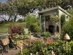 This is beautiful! Seen on: All The Garden Sheds Of Your Wildest, Quaintest Dreams