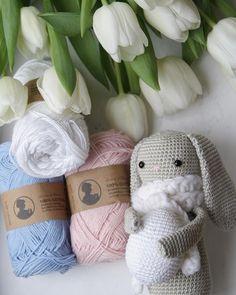 🌷Is it time to get prepared for easter season yet? 🐰 According to my blog stats, it is. 🙈😁 . #häkeln #crochet #crocheting #instacrochet #crochetlove #virkad #hækle #uncinetto #croche #valentinahaekelt #luncinettodavalentina #instadaily #blogger #instagrammer #instablogger #crochetersofinstagram #crochetaddict #häkelblogger #diy #handmade #crafty #かぎ針編み #amigurumi #toy #doll #bunny #hasepaul #tulip #flowers #søstrenegrene