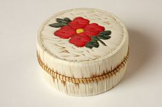 Floral Quill box, Porcupine quills, birchbark, sweetgrass, and thread. Lahy Bailey (Saginaw Chippewa)