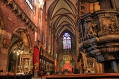 Inside the Wroclaw Cathedral. Three bracketed shots (-2, 0 and +2 EV) merged into HDR and tone mapped in easyHDR software.