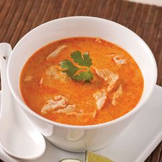 Soupe thaï - 5 ingredients 15 minutes Soup Recipes, Cooking Recipes, Healthy Recipes, Fondue, Sweet And Salty, Low Carb Keto, I Foods, Thai Red Curry, Easy Meals