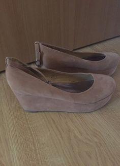 Kup mój przedmiot na #vintedpl http://www.vinted.pl/damskie-obuwie/platformy/11524086-piekne-obcasy-platformy-bezowe-deezee