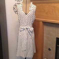 """OLD NAVY-DRESS-SIZE XS ADORABLE BLACK POKA DOT ON WHITE-SKIRT IS LINED-PULL OVER-ELASTIC WAIST-WIDE CLOTH BELT-RUFFLES AROUND THE NECKLACE-SHELL 100% RAYON-LINING 100% POLYESTERS-FROM ARMHOLE TO ARMHOLE ABOUT 16""""-LENGTH-FROM SHOULDER SEAM TO HEM IS ABOUT 33"""" Old Navy Dresses Midi"""