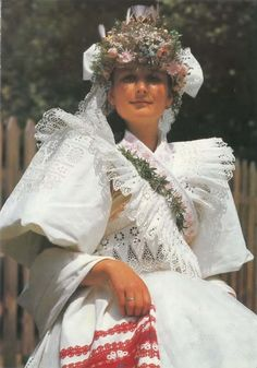 Bride from Detva, Slovakia Folk Costume, Costumes, Art Plastique, Traditional Dresses, Folklore, Culture, Bride, Pretty, Wedding