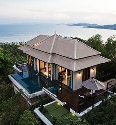 The Banyan Tree Samui is one of Thailand's best resorts, offering high-class services and luxury in gorgeous pool villas from Koh Samui, just 30 minutes away from Samui International. @Pulcino29