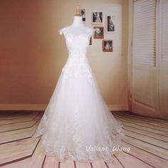 Vintage Ivory Lace Sweetheart Wedding Dress by Valiantwang on Etsy, $299.00