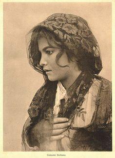 Gloeden, Wilhelm von (1856-1931) - Costume siciliano