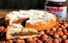Crostata alla Nutella LEGGI LA RICETTA > http://www.dolciricette.org/2013/08/crostata-alla-nutella-ricetta-semplice.html