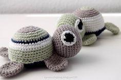 Hæklet skildpadde, gratis opskrift på den kæreste hæklede skildpadde. Morten skildpadde og frue