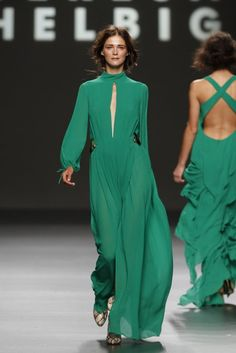 Teresa Helbig / 2012 Green Fashion, Colorful Fashion, Evening Outfits, Evening Dresses, Sexy Dresses, Nice Dresses, Formal Chic, Mom Dress, Glamour