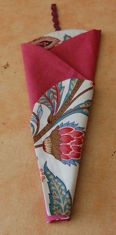 étui à ciseaux Coin Couture, Scrapbook, Sewing, Crochet, Fabric, Articles, Dressmaking, Blue Prints, Scissors