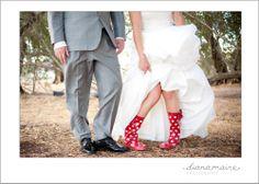Polka Dots regenlaarzen voor huwelijk in de regen:  http://www.katchoo.be/nl/regenlaarzen/32-shorties-polka-dots.html
