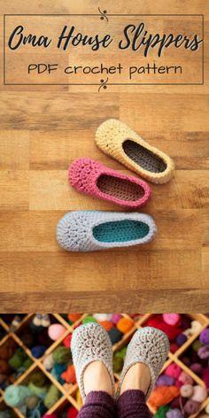 I love these super cute and simple house slippers! Oma House Slippers, just like. - - I love these super cute and simple house slippers! Oma House Slippers, just like grandma made and had at her house! Crochet Girls, Crochet For Kids, Hand Crochet, Crochet Baby, Knit Crochet, Crochet House, Hand Knitting, Simple Crochet, Finger Knitting