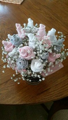 New ideas for baby shower elephant theme centerpieces gifts - Baby Diy Idee Cadeau Baby Shower, Bricolage Baby Shower, Regalo Baby Shower, Baby Shower Crafts, Baby Shower Invitaciones, Girl Baby Shower Decorations, Baby Shower Gifts For Boys, Baby Shower Diapers, Baby Gifts