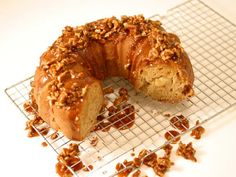Caramel Apple Cake-bake it day ahead to let flavors ripen and ice day off.this is yummo.it is a Food Network recipe.another of my go-to-recipes. Dinner Party Desserts, Fall Desserts, Just Desserts, Apple Desserts, Dinner Parties, Delicious Desserts, Food Cakes, Cupcake Cakes, Cupcakes