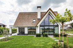 Modern Bungalow Exterior, Dream House Exterior, House Extension Design, House Design, Future House, My House, New Modern House, Mountain Home Exterior, House Goals