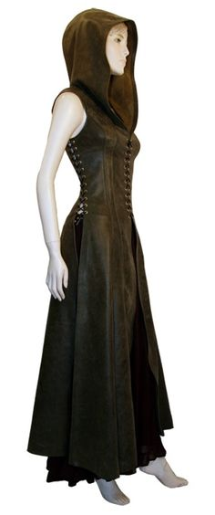 Ravenswood Leather Clothing for Renaissance Garb, Cosplay Costumes and Daily Fashion - Not steampunk, but still cool. Found in dark brown or black, layered over black pants and high laced black boots. Kleidung Design, Diy Kleidung, Mode Steampunk, Steampunk Fashion, Steampunk Dress, Fantasy Costumes, Cosplay Costumes, Cosplay Dress, Costume Original