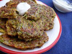 Vöröskaktusz diétázik: Cukkinis sajtos lepény Hungarian Recipes, Hungarian Food, Salmon Burgers, Pork, Meat, Ethnic Recipes, Kale Stir Fry, Hungarian Cuisine, Pork Chops
