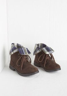 Trekking Near and Far Boot - Low, Faux Leather, Solid, Plaid, Casual, Menswear Inspired, Good, Lace Up, Brown, Rustic