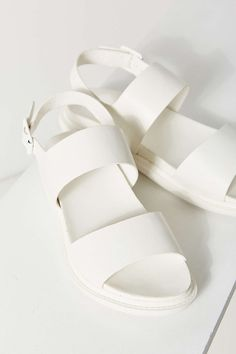 Sandales monochromes