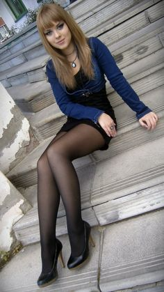 Shiny pantyhose and opaque skirts