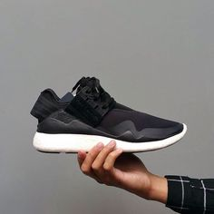 8a1444ab60a7 Instagram post by Online Sneaker Store Indonesia • Nov 15