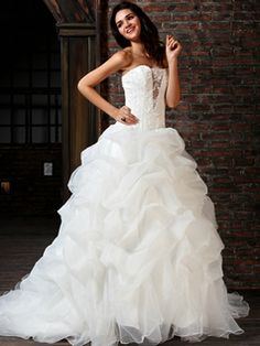$187.99Fantasy Ball Gown Tulle Sweetheart Chapel Train Appliques #Wedding #Dresses #online