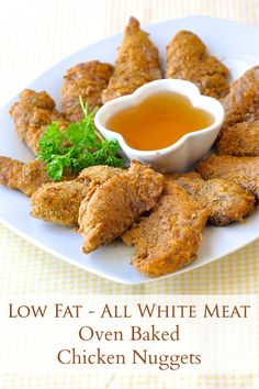 The Best Oven Fried Chicken Nuggets - kid approved, low fat baked chicken nuggets in a delicious herb & spice coating; crispy outside, tender on the inside. Healthy Appetizers, Healthy Snacks, Healthy Eating, Healthy Recipes, Rock Recipes, Healthy Dishes, Vegetarian Recipes, Fried Chicken Nuggets, Oven Fried Chicken