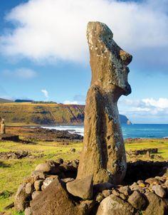 """Richou Voyages - Statues """"Moaï""""  #chili #iledepaques #amerique #vacances #voyage"""