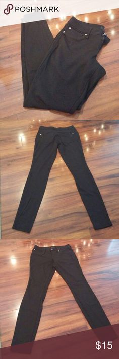"Jessica Simpson Kiss Me Jegging Beautiful ponte pants! Faux pockets in front to keep your look sleek! Real button and zipper fly closure. Stretchy, soft and super flattering! 78% polyester, 17% rayon, 5% spandex. Machine wash cold, tumble dry low. 29"" inseam, 7.5"" front rise, 14"" across waist flat, 9"" thigh flat. Please let me know if you have any questions! Jessica Simpson Pants Leggings"