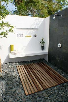 on The Owner-Builder Network  http://theownerbuildernetwork.co/wp-content/blogs.dir/1/files/outdoor-showers/new-insertiii-2.jpg