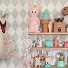 #pink #bunny #light & #deer #snowglobe light from www.kidsdinge.com www.facebook.com/pages/kidsdingecom-Origineel-speelgoed-hebbedingen-voor-hippe-kids/160122710686387?sk=wall http://instagram.com/kidsdinge #Kidsdinge #Toys #Speelgoed