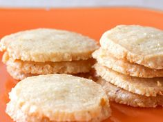 Cayenne-Cheddar Crackers: Homemade Holiday Gifts