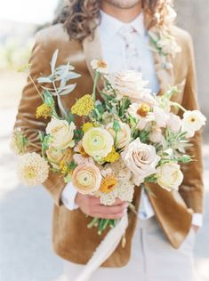 Styled Social Santa Ynez is just about the only thing on our minds these days. Held at a sun-kissed villa amidst grapevines + mountains. Blush Bouquet, Spring Bouquet, Bridesmaid Bouquet, Wedding Bouquets, Yellow Wedding Flowers, Floral Wedding, Wedding Colors, Fall Wedding, Wedding Ideas