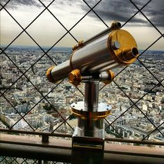 Regarder? #paris #eiffel  #france #francia #toureiffel #ciel #cielo #sky #nubes #nuages #clouds by ADPrietoPYC, via Flickr