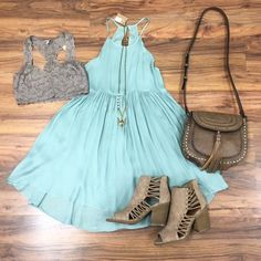 http://www.paperdollchick.com/blog/look-amazing-in-aqua/