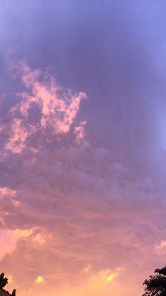 Cloud Wallpaper, Retro Wallpaper, Wallpaper Backgrounds, Aesthetic Backgrounds, Aesthetic Wallpapers, Twilight Sky, Dreamy Photography, Pink Sky, Purple