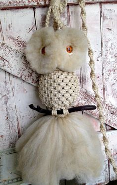 Vintage Macrame Owl Wall Hanging  White от LititzCarriageHouse, $45.00