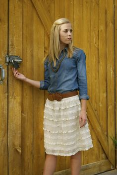 chambray and lace- for @Carrie Mcknelly Eyberg !!! Just add cowboy boots!!