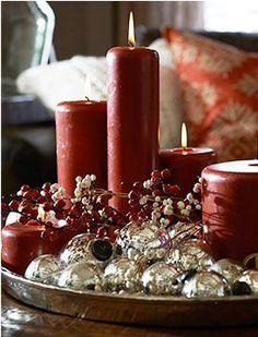 Traditional Red Christmas coffee table decor