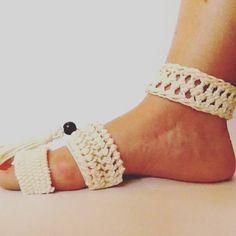 #macrameuppers #zapatos #sapatos #sko #cipö #skór #scarpe #sapatos #buty #schong #sabates #chaussures #cipele #obuv #sko #schoenen #kengät #schuhe #handwoven #weaving #fiberartist #inspiration #ecodesign #bohostyle #aesthetic #art #design #wearethemakers #makersmovement